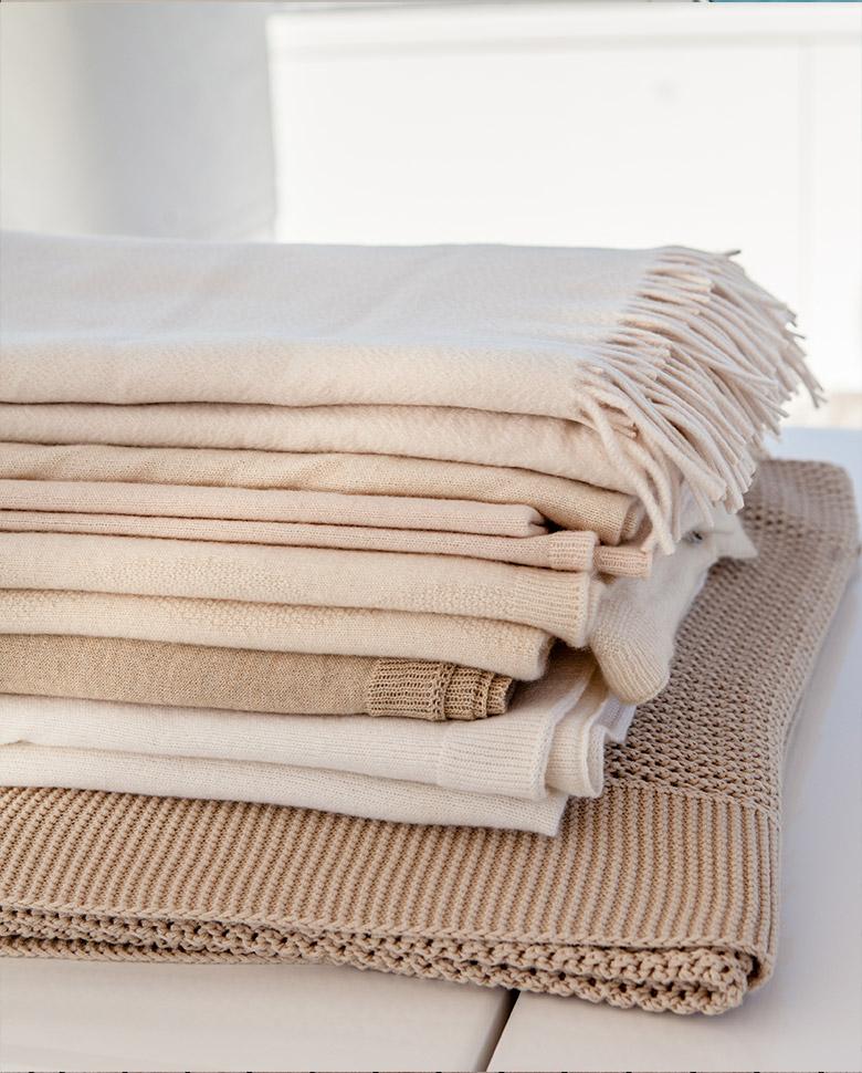 plaids-cushions